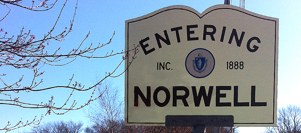Entering Norwell